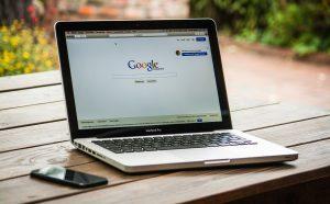 So können Sie Ihren gesamten Google-Suchverlauf anzeigen und löschen